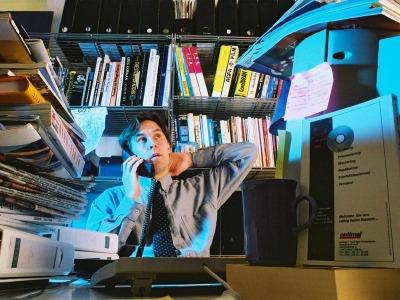 Schreibtisch aufräumen und besser arbeiten