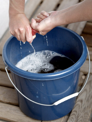Nachhaltiges Putzen schont Geldbeutel und Abwässer