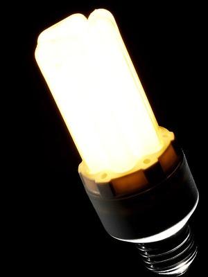 Beim Kauf von Energiesparlampen auf Vorheizphase achten