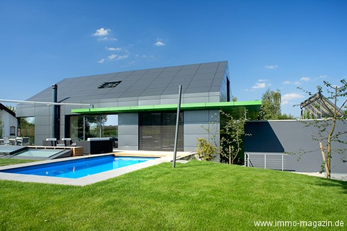 hausbau fassaden und dachbau aus aluminium bauherren. Black Bedroom Furniture Sets. Home Design Ideas