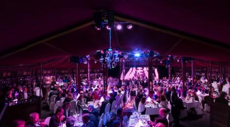 Die Charity Dinnershow der Monsignore-Ohlhäuser-Stiftung im Spiegelpalast des  Crazy Palace in Karlsruhe