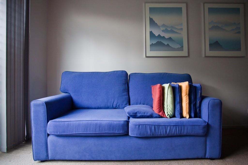Flecken vom Sofa entfernen