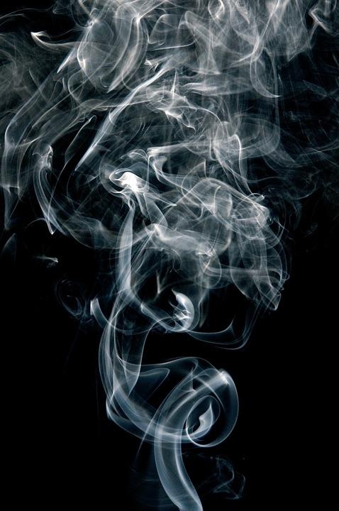 feueralarm bei hausbrand rauchmelder sch tzen vor feuer und giftigen rauch bauherren. Black Bedroom Furniture Sets. Home Design Ideas