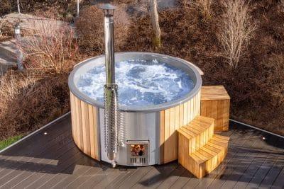 hot tub im garten