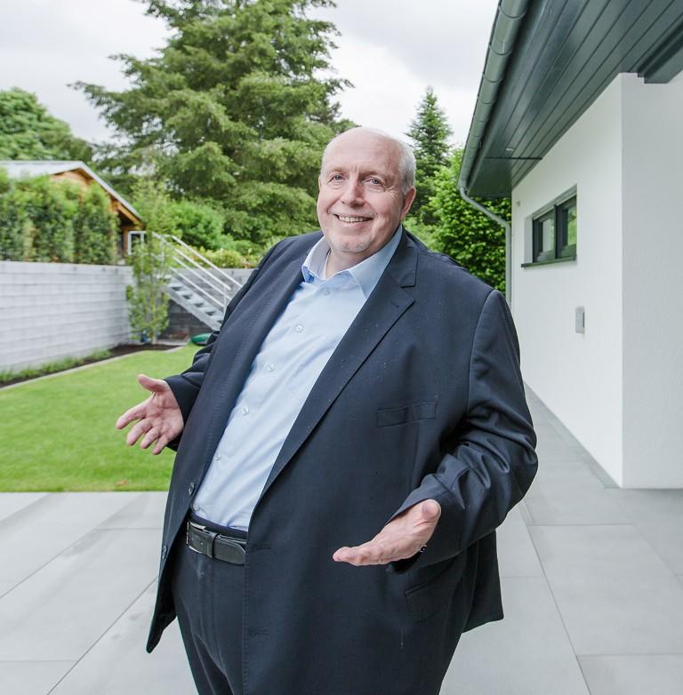 Auch Reiner Calmund erzählt vom Fertigbau | Bauherren & Immobilien Magazin